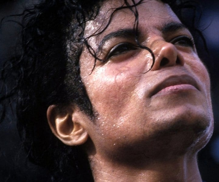 SWEATY-HOT-BAD-DANGEROUS-YUMMY-YUMMY-michael-jackson-24820843-720-599
