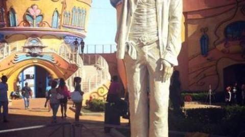 Inauguration de la statue de Michael Jackson en Italie
