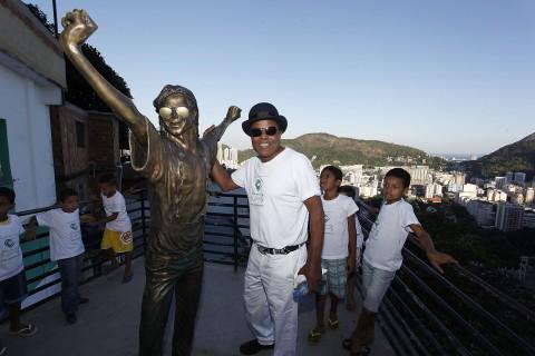 Tito rend hommage à Michael, au Brésil