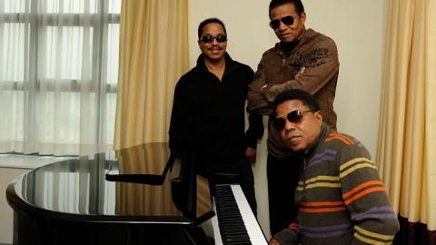 The Jacksons tellen af naar de openingsavond