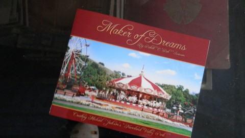 MAKER OF DREAMS – par Rob Swinson : Un Must pour les fans